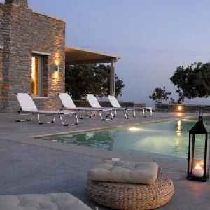Villa with great view and pool at Kea
