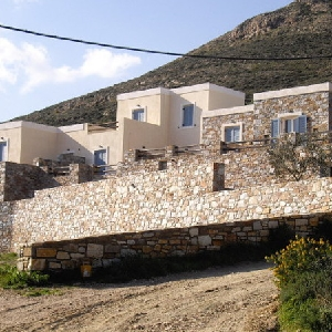 Complex of 4 houses in Megas Gialos